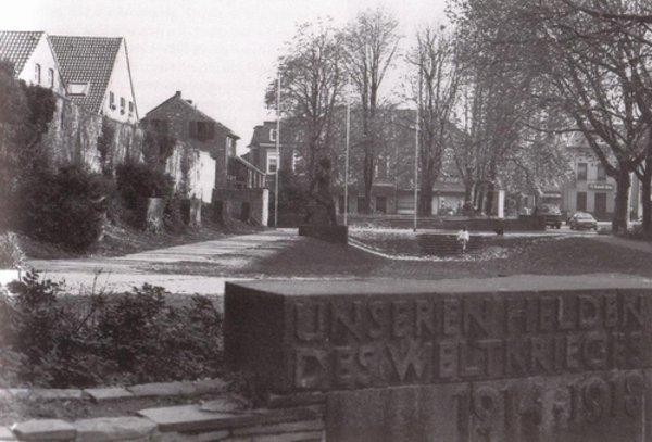 Die Denkmalsanlage im Jahre 1989 * Foto Schirrmacher